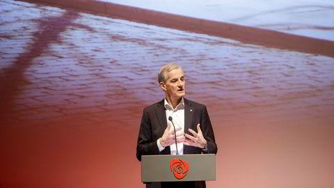 Partileder Jonas Gahr Støre lurer på om noe av forklaringen på Arbeiderpartiets dårlig valg er at partiet deltok i flere forlik med regjeringen i forrige stortingsperiode.