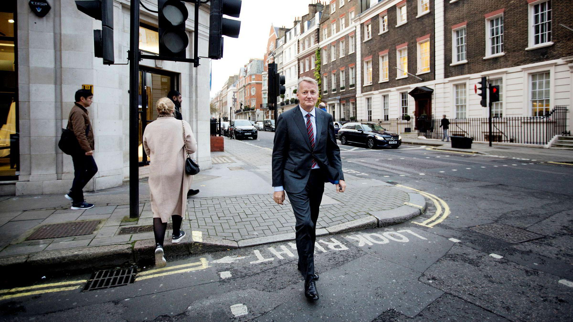 DNB-sjef Rune Bjerke er i London denne uken for å møte investorer og internasjonale banker. Han vil avvente å se om Republikanernes politikk er annerledes enn Trumps kampsaker.