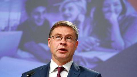 Visepresident Valdis Dombrovskis i EU-kommisjonen sier den økonomiske nedturen i kjølvannet av koronapandemien trolig blir større enn tidligere antatt.