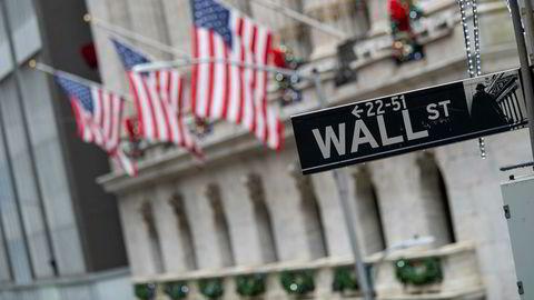De amerikanske børsene åpner litt i villrede mandag. Her New York-børsen (Nyse) på Wall Street.