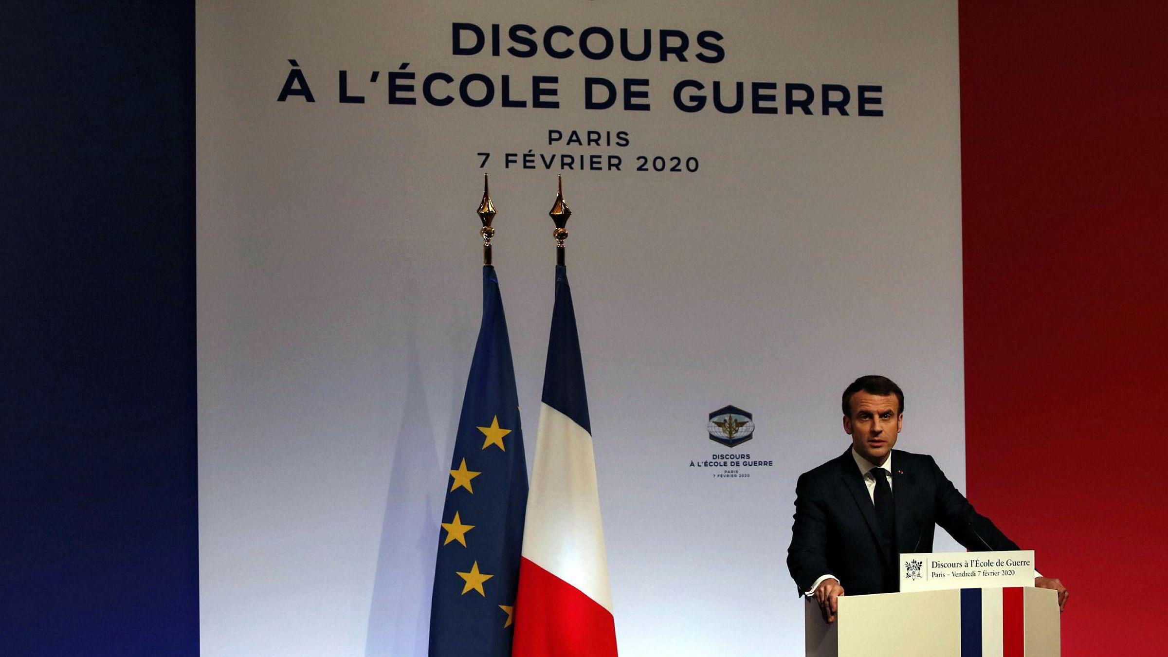 I sin årlige tale på Ecole de guerre krevde president Emmanuel Macron at Europa våkner opp til realpolitikkens realiteter og tar forsvar alvorlig.
