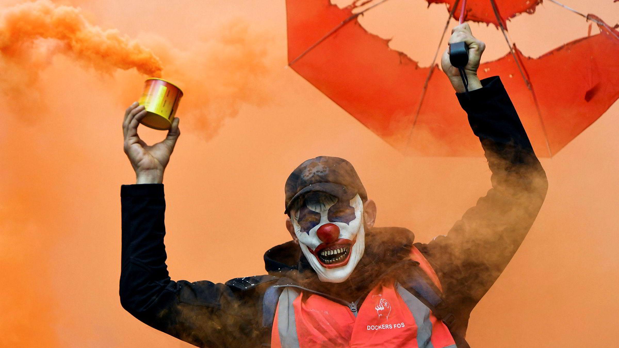 The Joker? President Macrons pensjonsreform møtte motbør fredag fra et bredt utvalg samfunnslag.