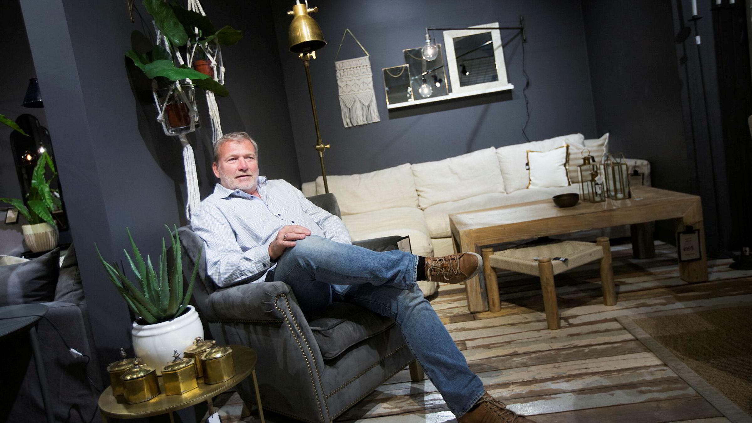 Gründer Øivind Tidemandsen har aldri gått med overskudd med sitt selskap Home & Cottage, men fjorårets regnskap viser at selskapet er på vei oppover. Her er Tidemandsen fotografert i Home & Cottages lokaler på CC Vest.