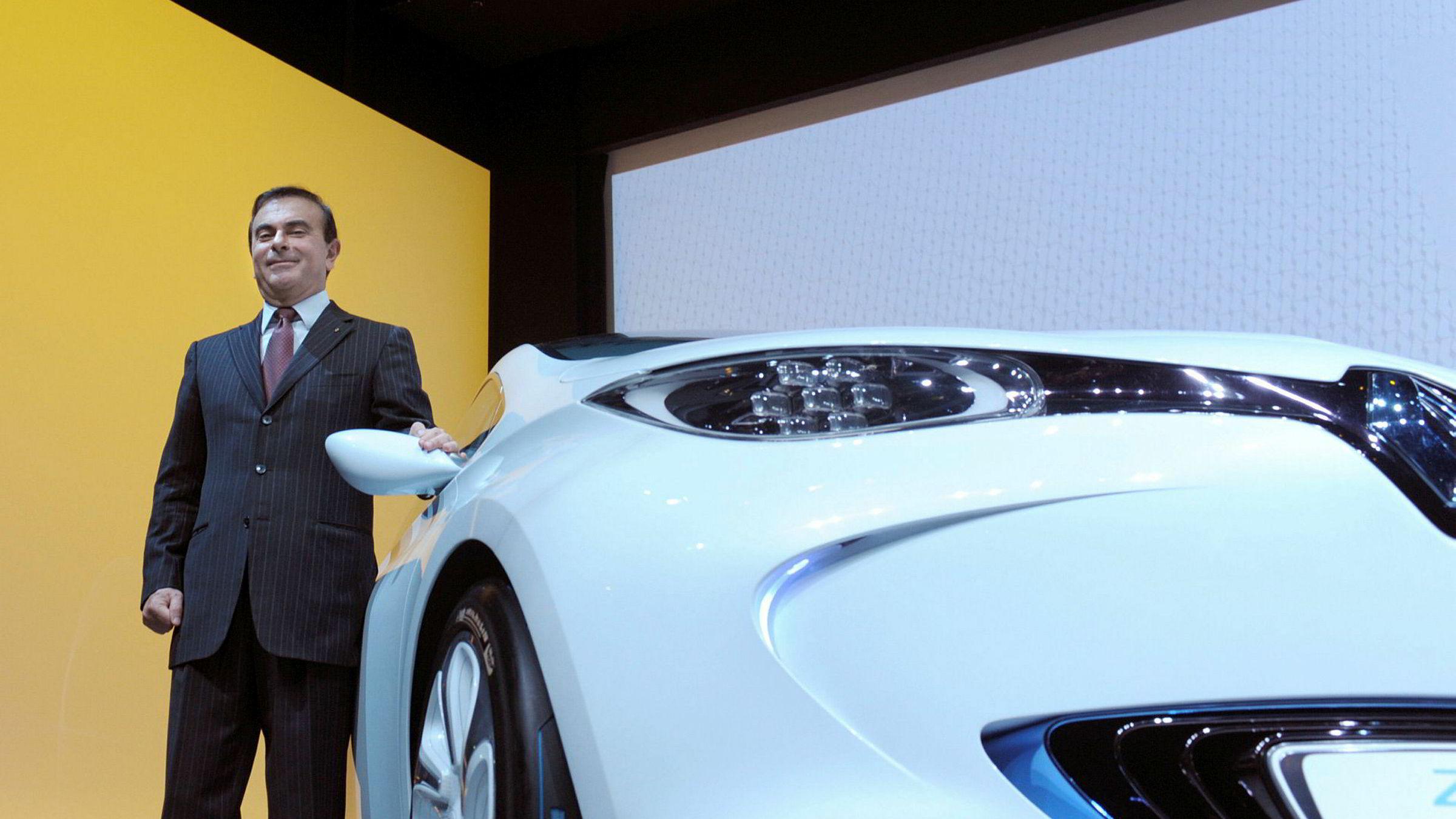 Styreleder og konsernsjef i Renault-konsernet, Carlos Ghosn, sier de trolig er den eneste bilprodusenten som tjener penger på elbiler.