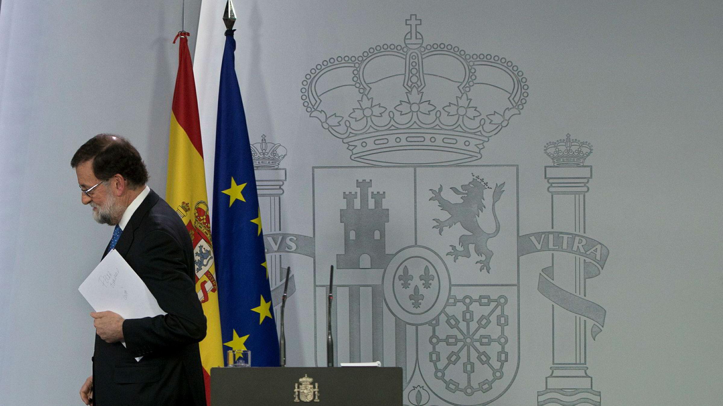 Spanias statsminister Mariano Rajoy etter pressekonferansen i Madrid. Resultatet i det katalanske valget ble ikke slik han hadde håpet.