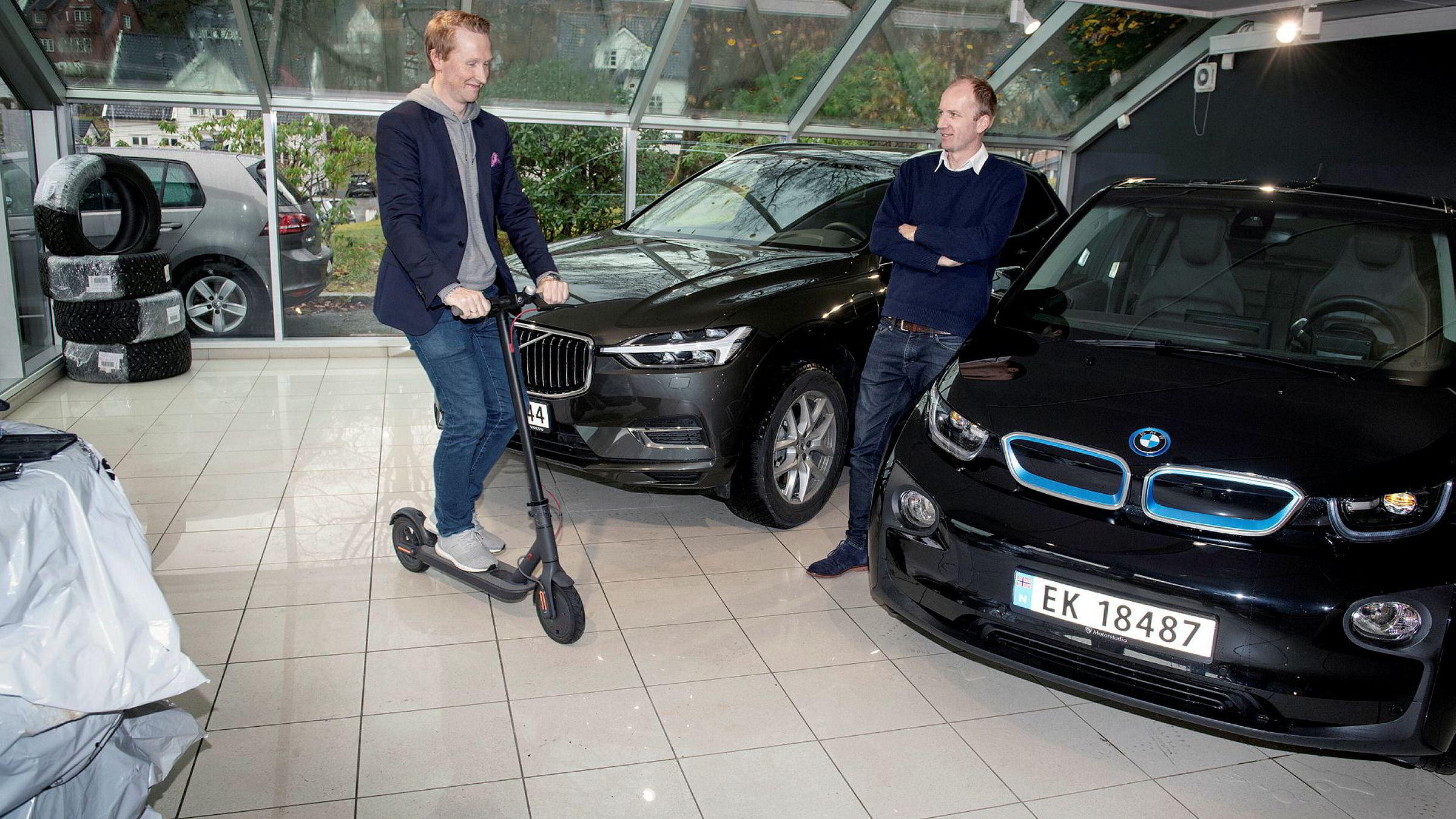 Interessen for bilabonnement ser ut til å vokse. Hans Kristian Aas (til venstre) og Gunnar Birkenfeldt i startup-selskapet Imove tror fleksibilitet trumfer det meste i usikre tider.