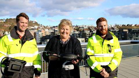 Droneselskapet Nordic Unmanned har gitt nye muligheter til erfarne folk fra olje- og gassindustrien. De har bygget videre på variert og unik kompetanse, skriver statsminister Erna Solberg. Tirsdag besøkte hun selskapet, som holder til i Sandnes.