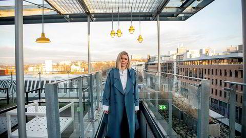 Selmer-partner Gro Løge har de siste ukene jobbet med å minne klienter på å gjennomgå kontrakter med underleverandører som kan være påvirket av koronatiltak.