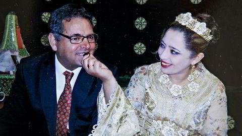 Norsk-iraneren Reza Bastani giftet seg med marokkaneren Fatima Zahra Boumaaza for seks år siden. Hun ble nektet opphold i Norge frem til juni i år. UDI og UNE mente det var et proformaekteskap. Nå gjennomgås flere lignende saker fordi loven kan ha blitt anvendt feil en rekke ganger siden 2010.