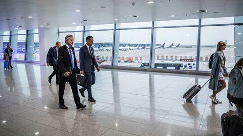 Norwegian-sjef Bjørn Kjos var i Brussel denne uken for å møte bransjen gjennom samarbeidet i Airlines 4 Europe. Her med kommunikasjonssjef Lasse Sandaker-Nielsen.