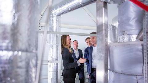 Med penger på plass skal det første industrielle hydrogenanlegget stå klart neste år og heies frem av (fra venstre) Zeg Power-sjef Kathrine Kværnæs Ryengen, finanssjef Jan-Tore Christiansen, investor Reidar Lorentzen og Ife-sjef Nils Morten Huseby