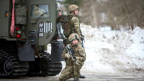 Nå som britene forlater EU og styrker sitt forhold til USA, er det ingen tvil om at Norge følger den veien innen sikkerhetspolitikken. Her britiske soldater i Namsos under øvelse Cold Response 2016.