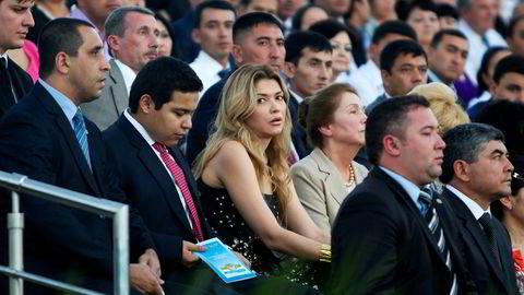Gulnara Karimova er i varetekt, og etterforskes for blant annet bedrageri og hvitvasking av penger. Bildet er fra 2012, da hun feiret Usbekistans 21 år som selvstendig stat.