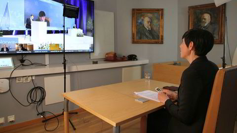 Utenriksminister Ine Eriksen Søreide må som følge av koronakrisen, drive diplomati over internett. Her deltok hun på et møte knyttet til Sikkerhetsrådet 8. mai for å markere 75-årsdagen for frigjøringen av Europa etter annen verdenskrig.