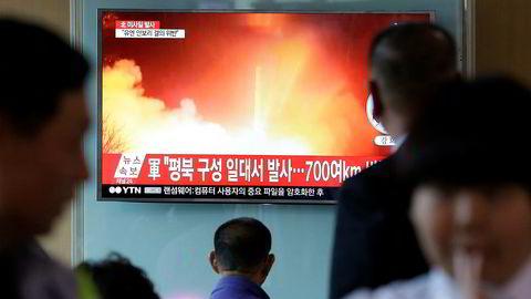 – Den nordkoreanske trusselen er på vei inn i en ny og mer alvorlig fase, frykter Japans statsminister Shinzo Abe. Krigshandlinger vil ramme hele verdensøkonomien hardt. Sist søndag foretok Nord-Korea en ny prøveoppskyting av mellomdistansemissil.