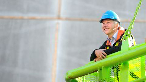 Oslo 20140929.Statsråd Jan Tore Sanner inspiserer regjeringskvartalet. Mandag var han i lufta på utsiden av bygget.Foto: Terje Pedersen / NTB scanpix