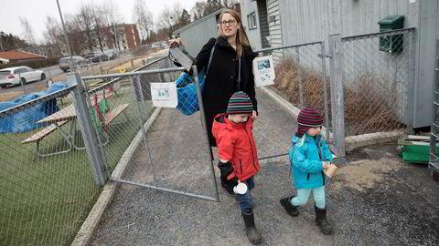 Småbarnsmor Annika Kron visste ikke at sent kveldsarbeid kunne være i strid med arbeidsmiljø loven. For henne har det vært gull verdt å kunne jobbe inn noen timer etter at barna er hentet i barnehagen.