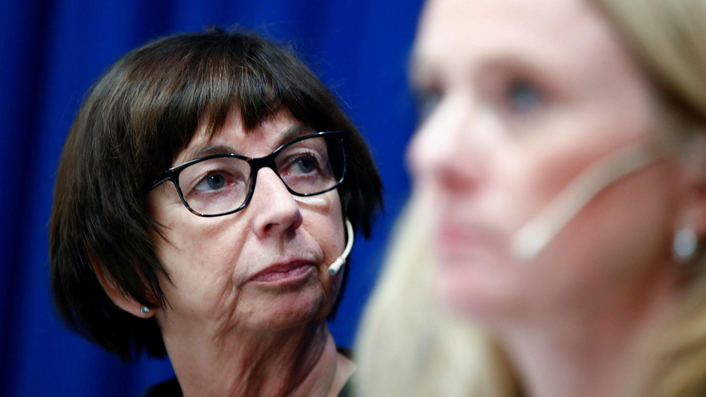 Tilliten til Nav-direktør Sigrun Vågeng (t.v.) og arbeids og sosialminister Anniken Hauglie (H) er tynnslitt blant ansatte i Nav.