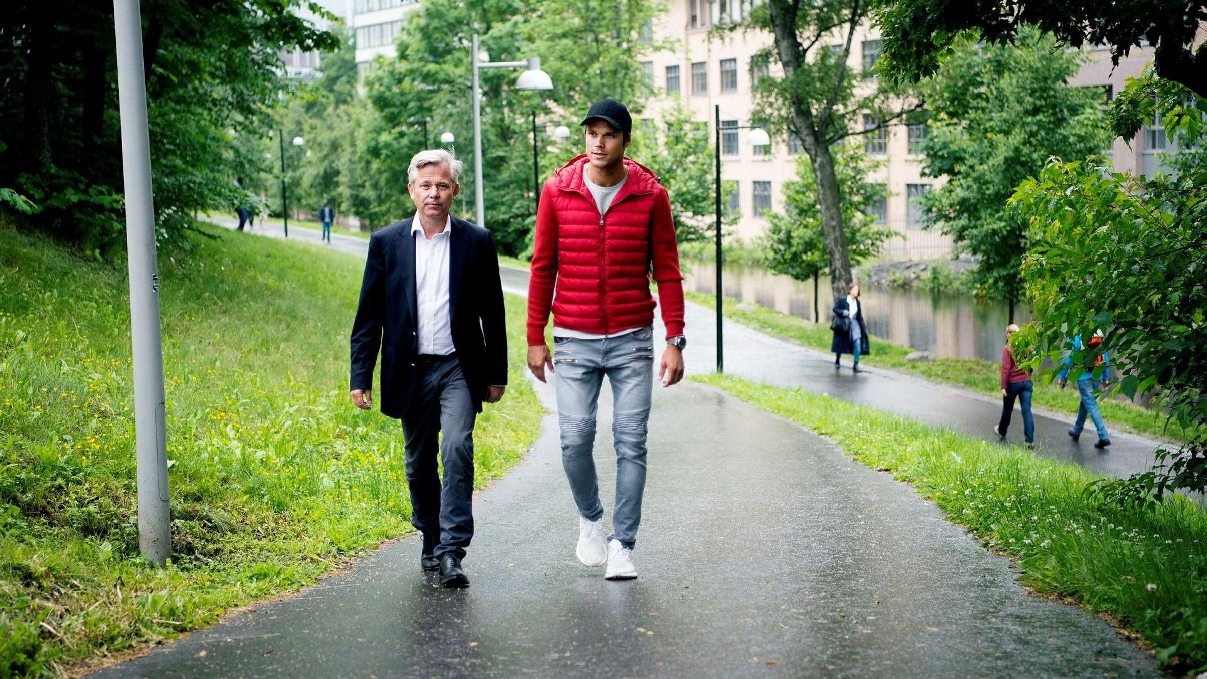 I fjor ville Nicolai Prydz og broren, rallysjåfør Andreas Mikkelsen (t.h.), samarbeide med Telenor om en app for sjåførdata. Nå går de til sak mot mobilkjempen.