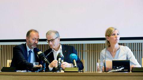 Sommeren 2017 var Marianne Marthinsen finanspolitisk talsperson, mens Trond Giske (til venstre) var nestleder da de sammen med Jonas Gahr Støre presenterte et nytt pensjonsforslag. Etter valget samme år startet konflikten for alvor i Ap.
