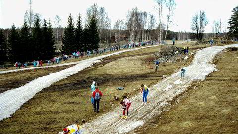 Det var ikke rare snøforholdene som ventet løperne i verdenscupen da Svenska Skidspelen i Falun kjørte i gang verdenscuphelg på den brunhvite snøen i mars 1989.