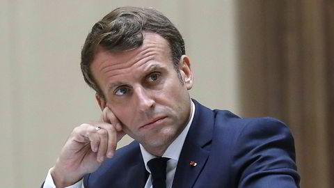 Frankrikes president Emmanuel Macron får kritikk for å ha utnevnt en minister som er anklaget for voldtekt og en annen minister som har uttalt seg kritisk til metoo-kampanjen.