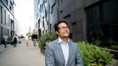 Konsernsjef i Obos Daniel Kjørberg Siraj mener det er opp til det private markedet å finne løsninger når flere kundegrupper sliter med å komme seg inn på boligmarkedet.