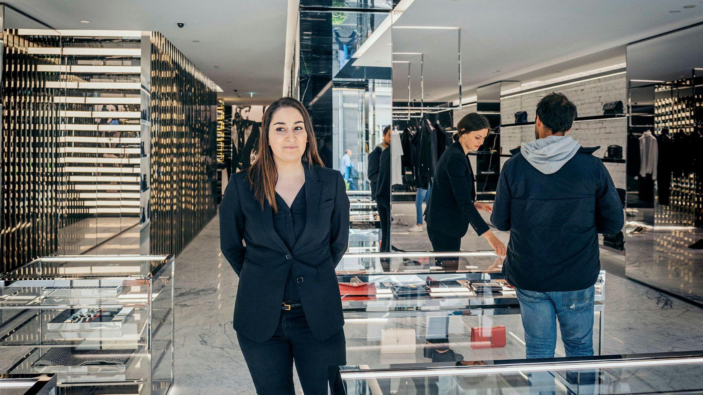 Samira Mousavi som er butikksjef hos Saint Laurent som eies av Group 88