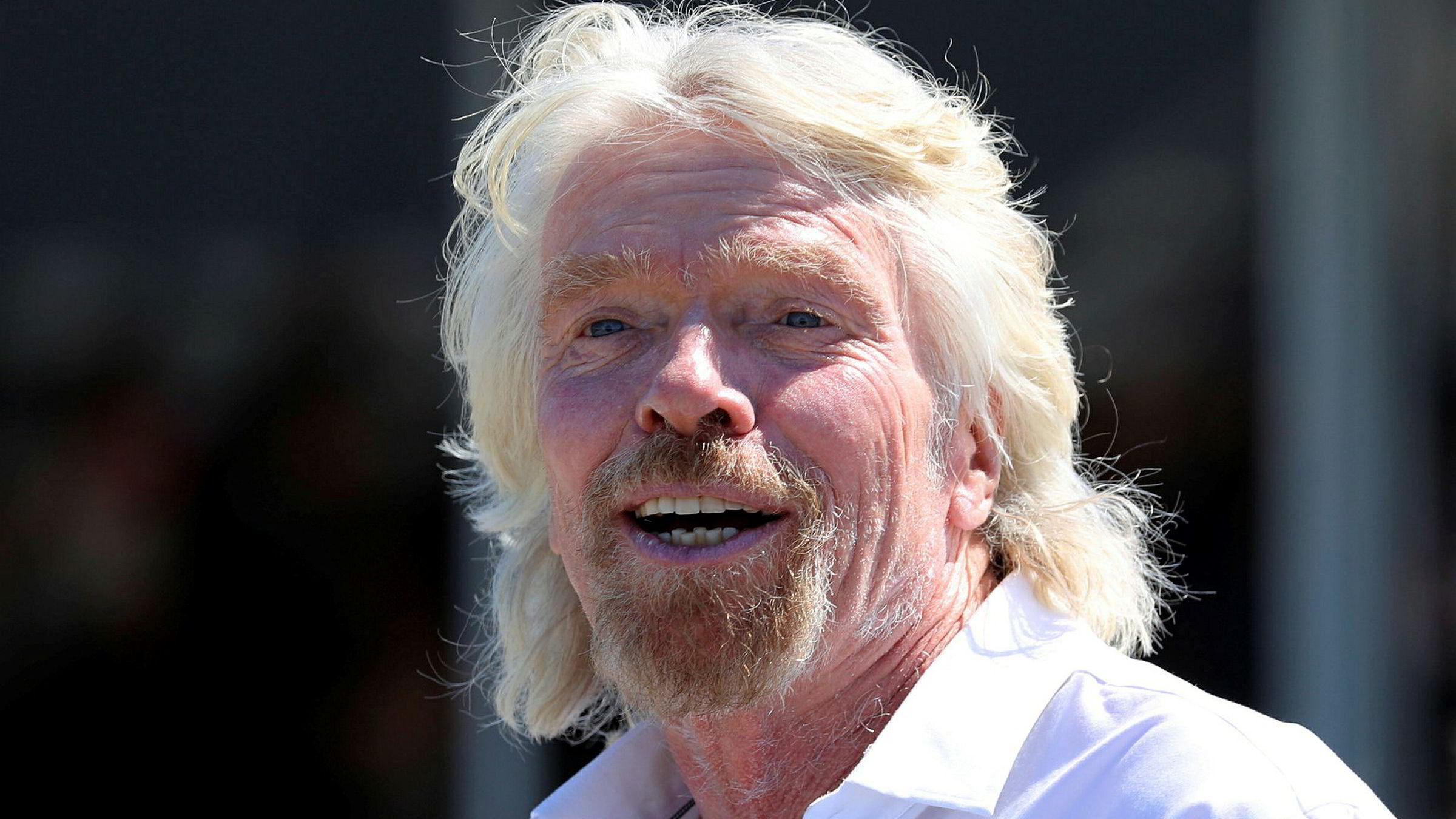 Sir Richard Branson sier han er måneder unna sin første tur ut i verdensrommet.