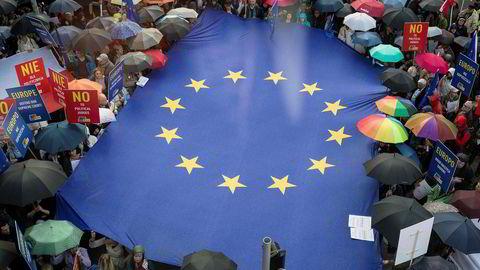 Verden trenger Europa. Om det er i form av EU eller noe annet, kan ikke De Grønne svare på ennå. Men vi bør gjøre det i god tid før tid før neste stortingsvalg.