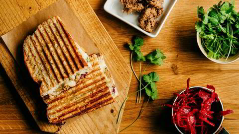 Asiatisk sandwich. Med pulled pork, rødkål og koriander