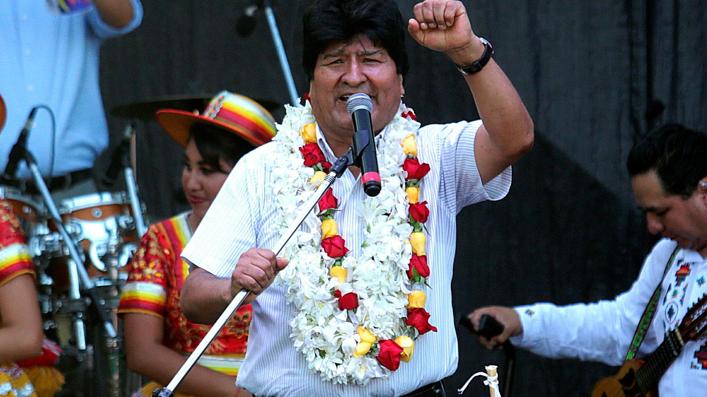 Bolivias avgåtte president Evo Morales, som lever i eksil i Argentina, sier han vil stille til valg i mai om et sete i senatet i hjemlandet.