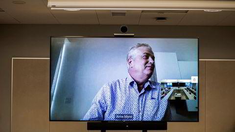 Arne Jonny Myre, tidligere styreleder og daglig leder i Ateltech, hentet 3,5 millioner kroner i kapital fra aksjonærene som nå forsøker å få pengene tilbake. Han flyttet til Malta i februar, og deltok på videolink.