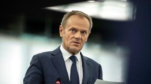 EU-president Donald Tusk har fått med seg de 27 gjenværende medlemmene på sitt forslag om å si ja til Boris Johnsons forespørsel om mer tid.