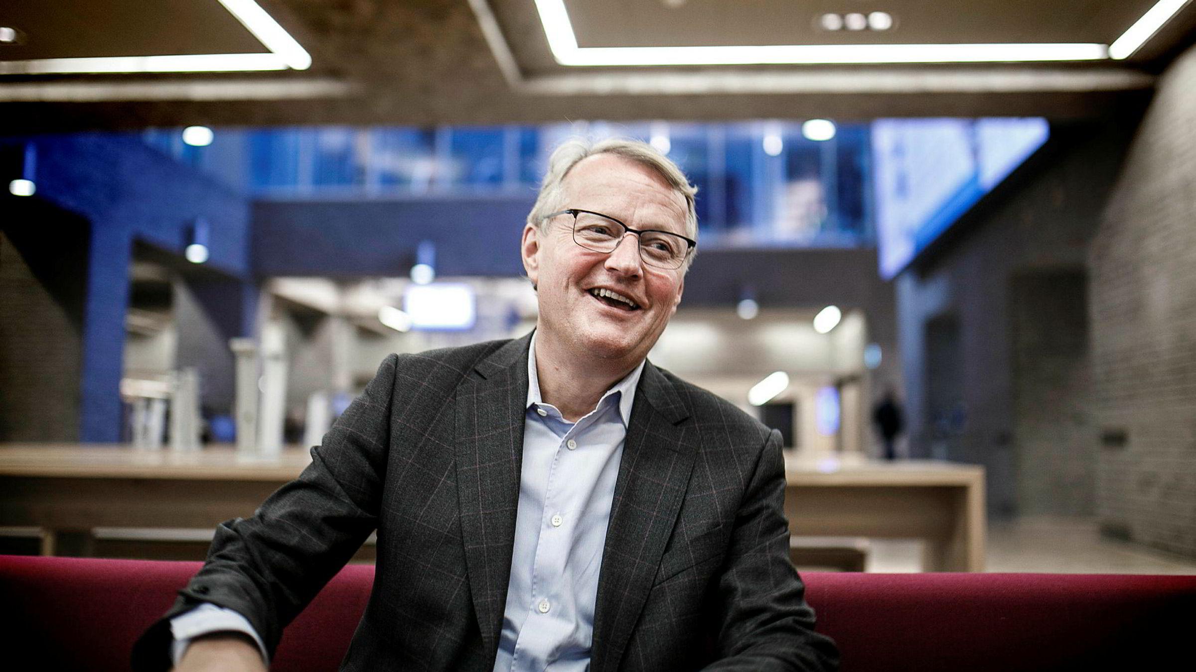 DNBs konsernsjef Rune Bjerke la frem gode resultater for tredje kvartal torsdag morgen. Hittil har de store bankene ventet med å følge opp rentekuttet fra Danske Bank forrige uke.