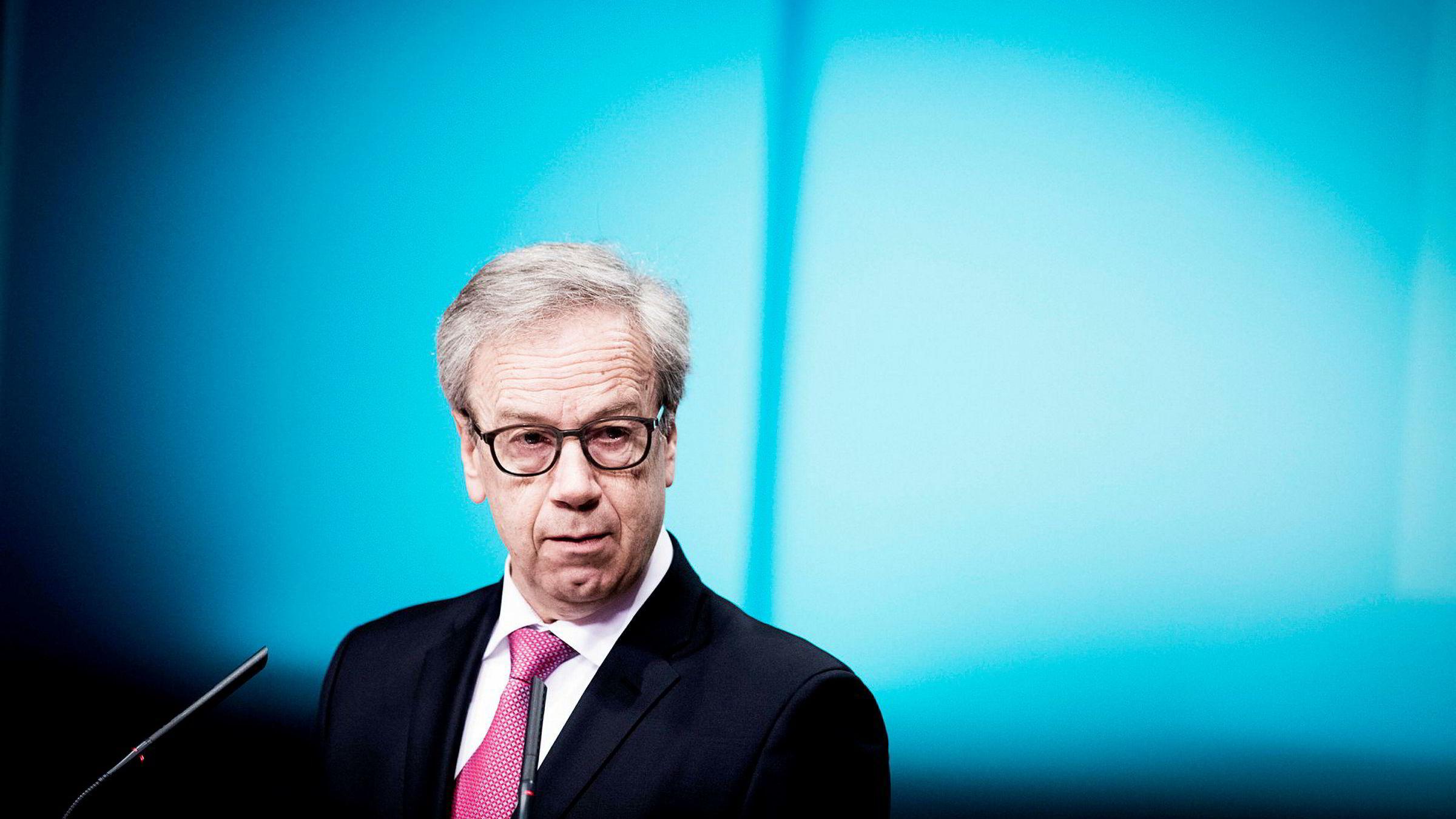 Hovedstyret i Norges Bank, med sentralbanksjef Øystein Olsen i spissen, har besluttet å sette to oljefond-selskaper til observasjon.