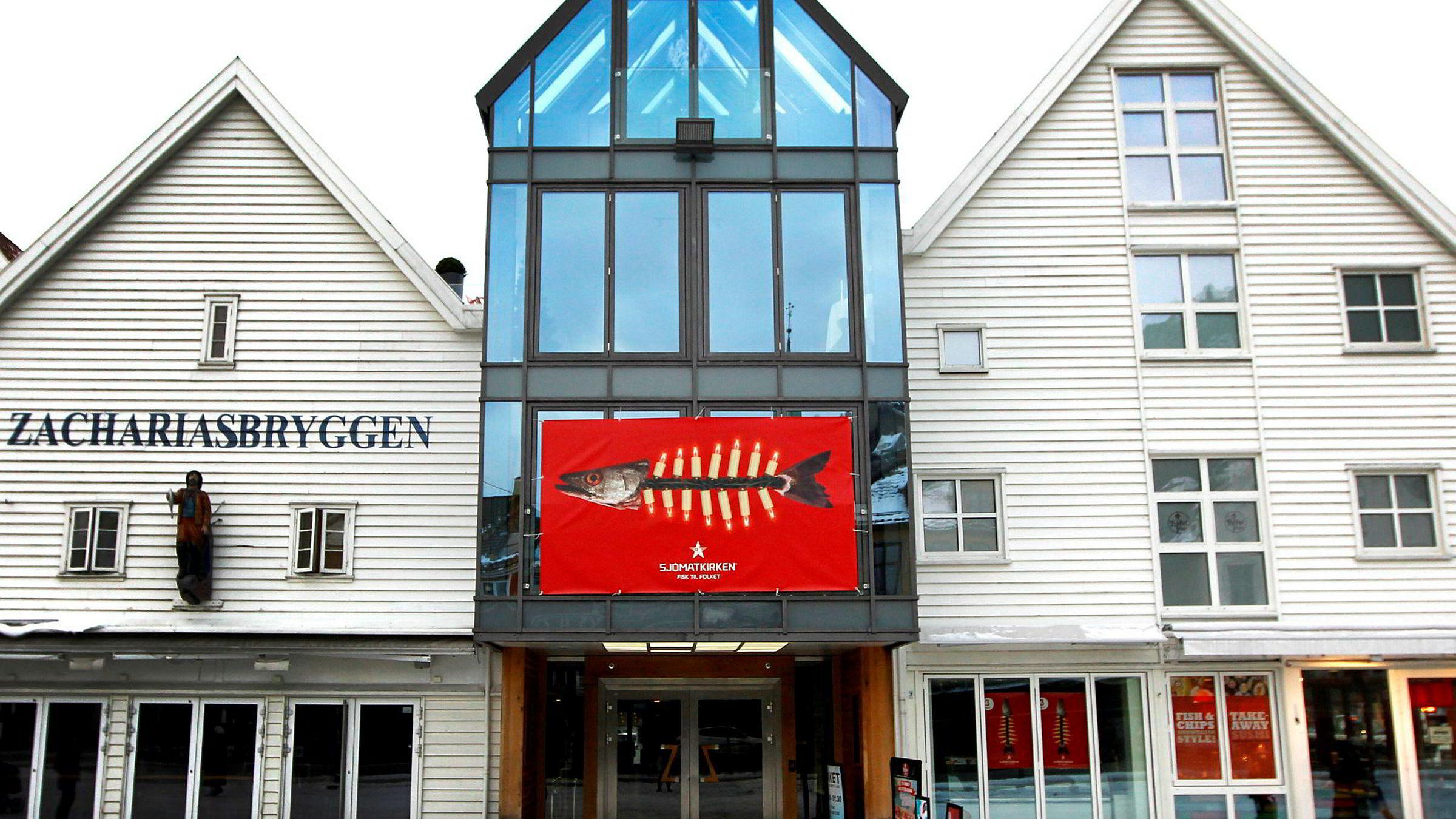 Dette restauranthuset på Zachariasbryggen i Bergen har vært omfattet av mye krangling og juridiske disputter de siste ti årene.