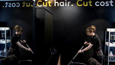 Frisørkjeden Cutters er blant er en av virksomhetene som må gi Forbrukertilsynet en redegjørelse om hvorfor de ikke aksepterer at kunder betaler med kontanter, ifølge ABC Nyheter.