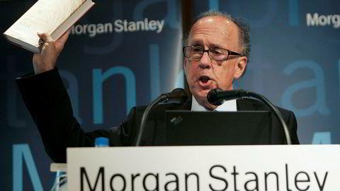 Tidligere styreleder i Morgan Stanley Asia, Stephen Roach, mener et dollarkrasj nærmest er uunngåelig.