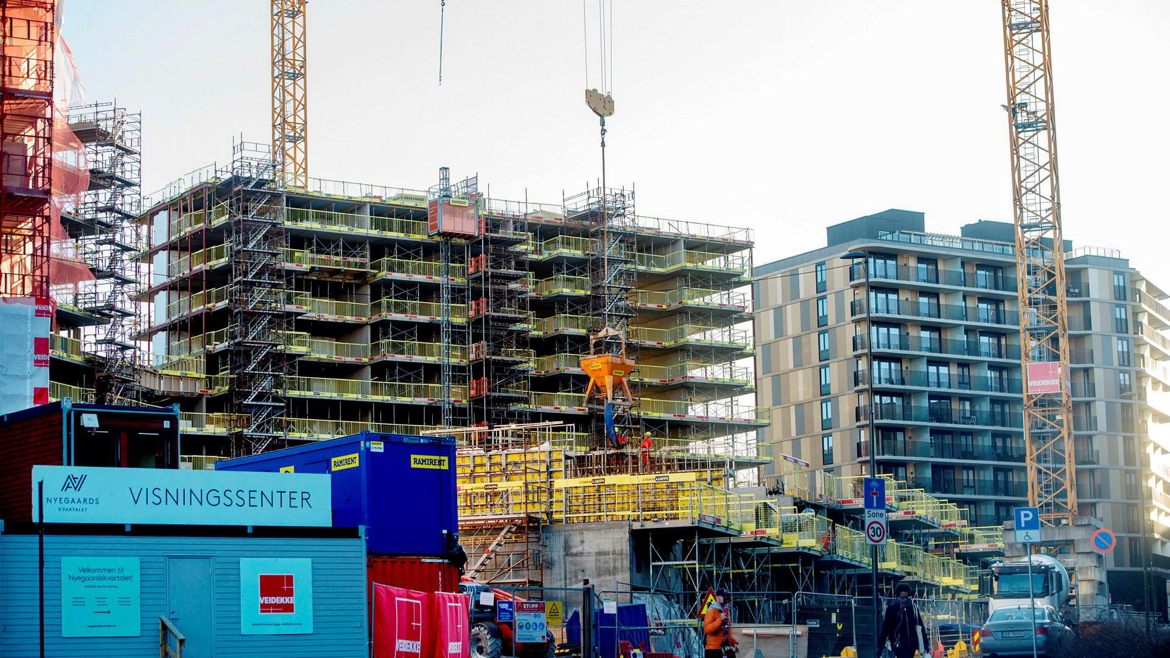 Januar byr gjerne på en boligprisvekst på mellom to og tre prosent – minst. Meglerne tror det samme vil skje i år. Her fra bygging i Nydalen i Oslo.