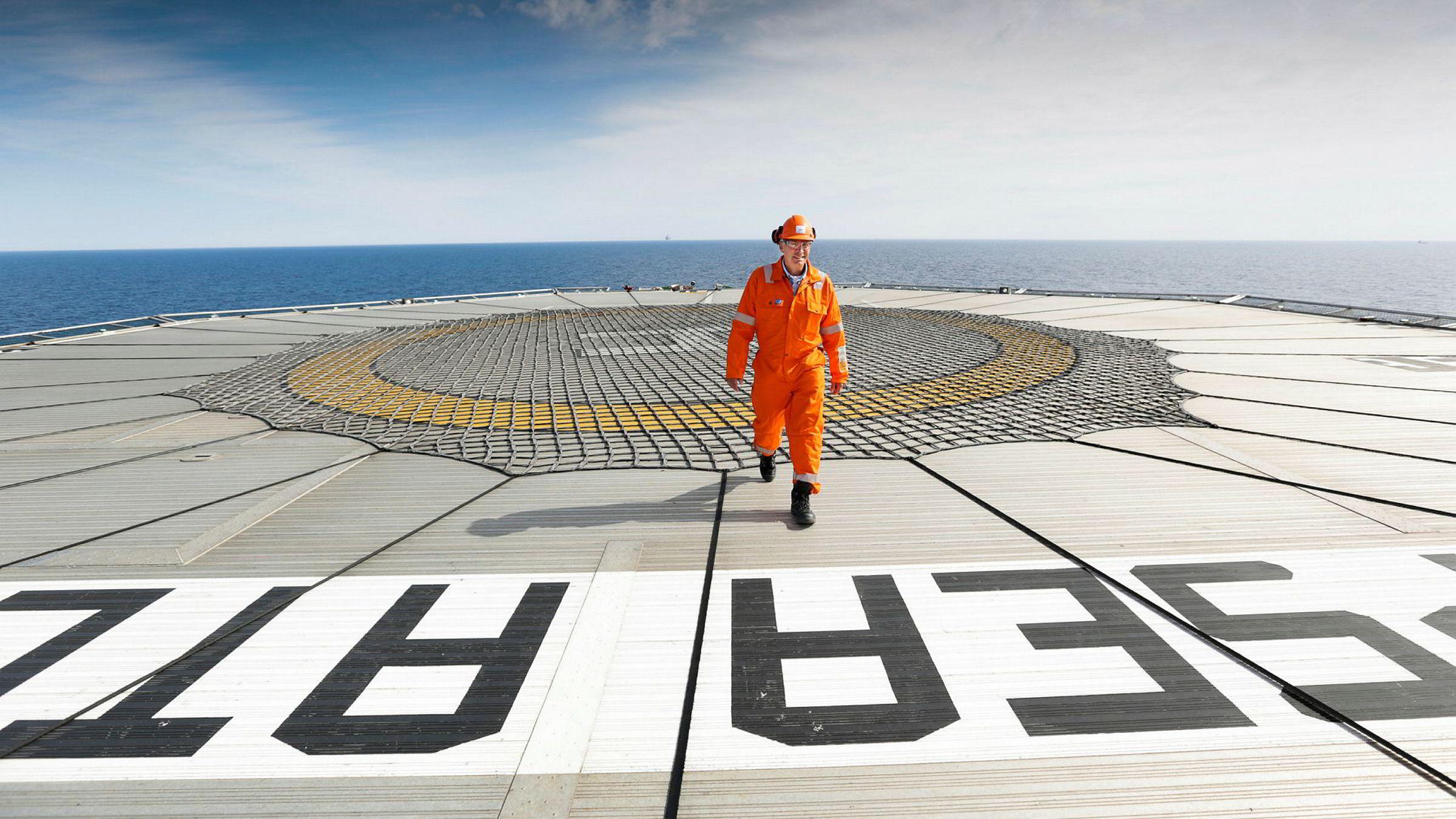 Simen Lieungh ombord på den halvt nedsenkbare boreriggen Deepsea Atlantic.