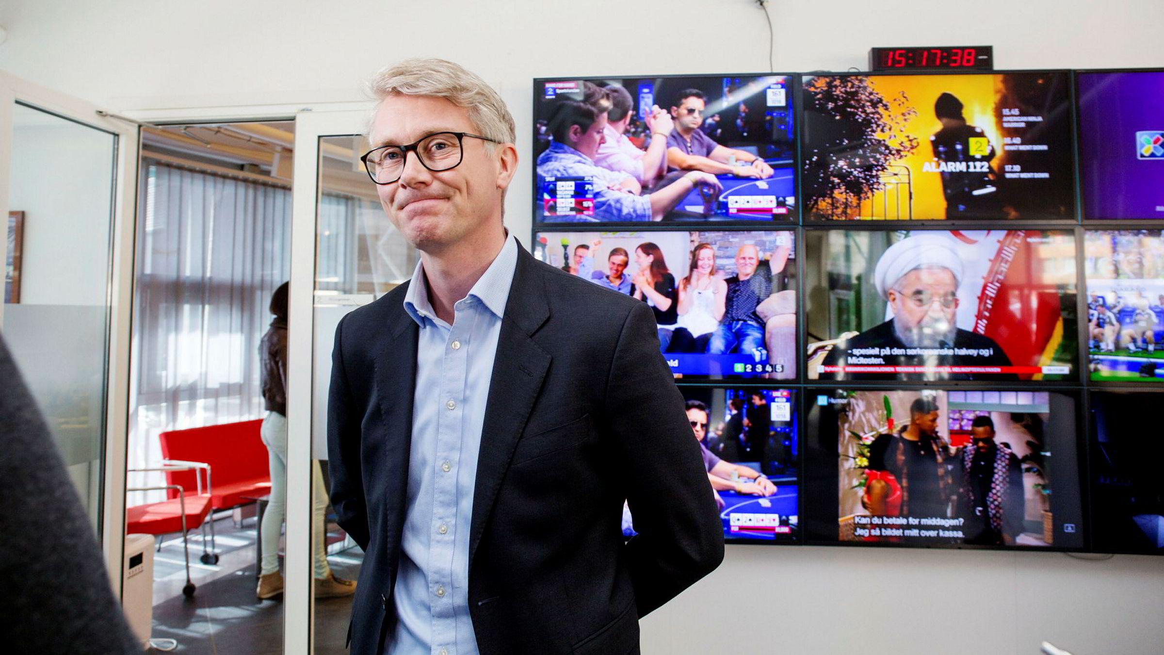 På Stortinget mandag kveld argumenterte TV 2-sjef Olav T. Sandnes for at TV 2 må få kompensasjon fra staten for å fortsette med nyheter og kommersiell allmennkringkasting fra Bergen.