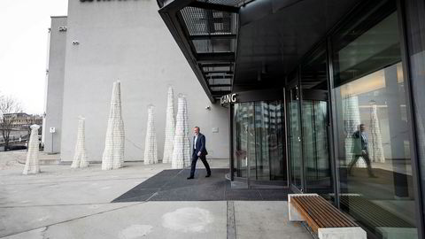 Konsernsjef Odd Arild Grefstad i Storebrand har fått ny storaksjonær i det svenske oppkjøpsfondet EQT som er et av verdens største. Her er Grefstad ved hovedkontoret til Storebrand på Lysaker.