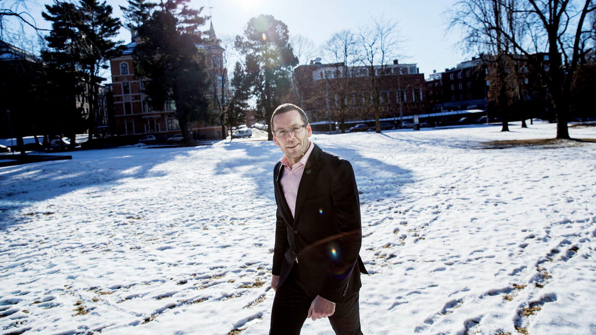 Advokat Rasmus Asbjørnsen, partner i Haavind.