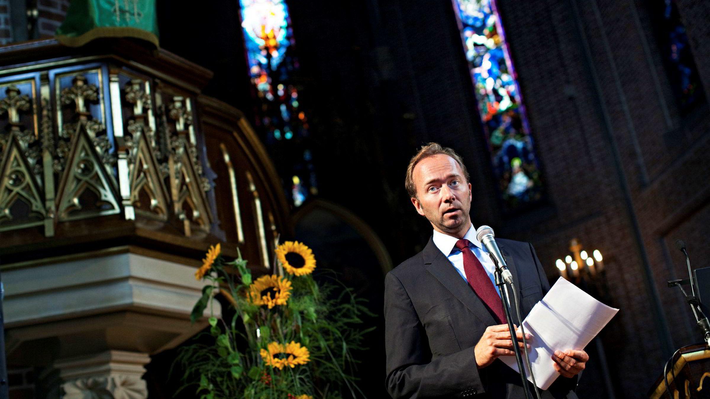 Trond Giske var Kirke- og kulturminister fra 2005 til 2009. Her fra en pressekonferanse i Trefoldighetskirken i 2009.
