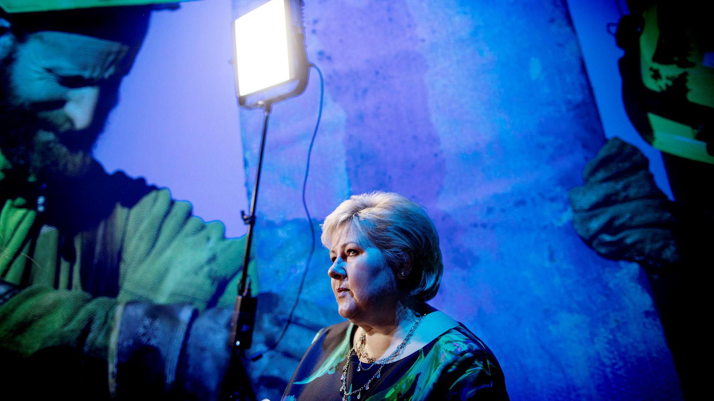 Statsminister Erna Solberg klaget litt på NHOs årskonferanse over at det alltid blir rabalder når regjeringen kommer med forslag som skal få folk til å jobbe mer.