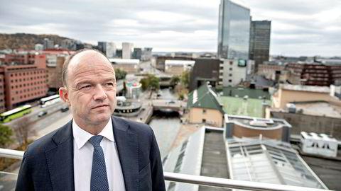 Administrerende direktør Ole Erik Almlid i NHO frykter koronakrisens konsekvenser for de unge.