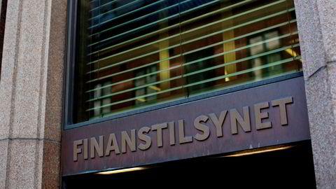 Finanstilsynet er kritiske til Sunndal Sparebanks håndtering av en kunde som stadig sendte penger til Filippinene.