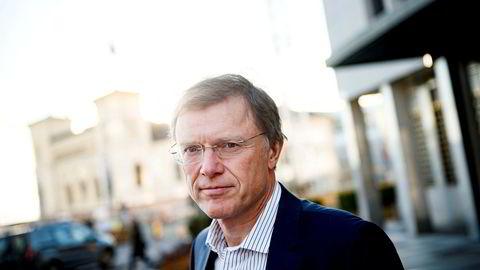Det er særlig smitteutviklingen i ett land som bekymrer den erfarne sjefstrategen Peter Hermanrud.