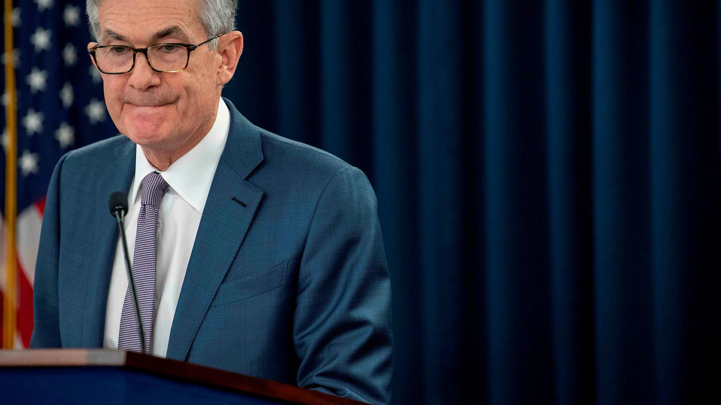 Fed-sjef Jerome Powell tar nå alle midlene han har i bruk for å begrense skadene.